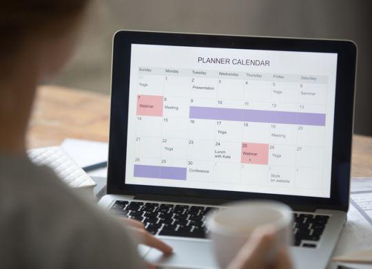Una agenda en la pantalla del ordenador